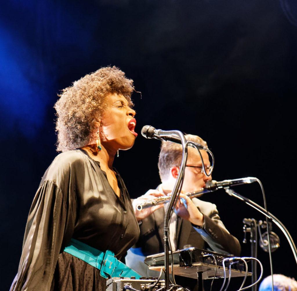 Image d'un concert de Sandra Nkaké